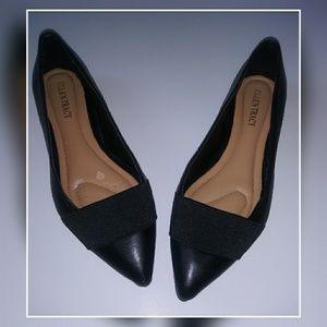 Ellen Tracy finn black leather flats size 7.5 M